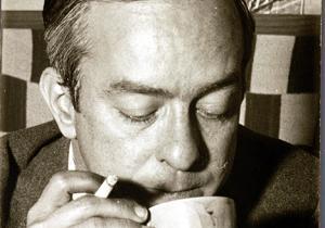 O poeta em pausa para o café